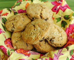 Whole Wheat Cinnamon Oat Scones with Chocolate Chips