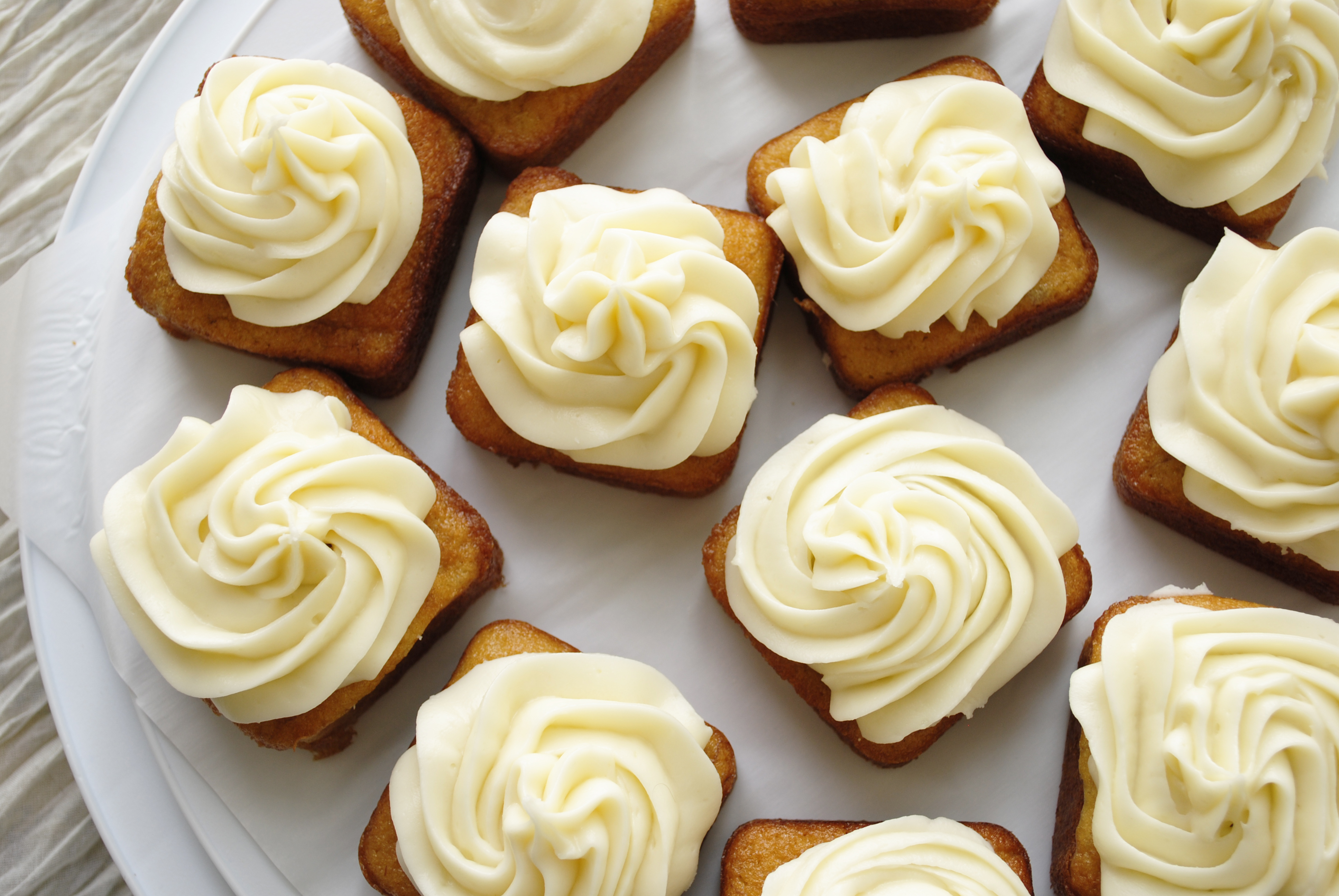Mini Banana Cakes with Cream Cheese Frosting