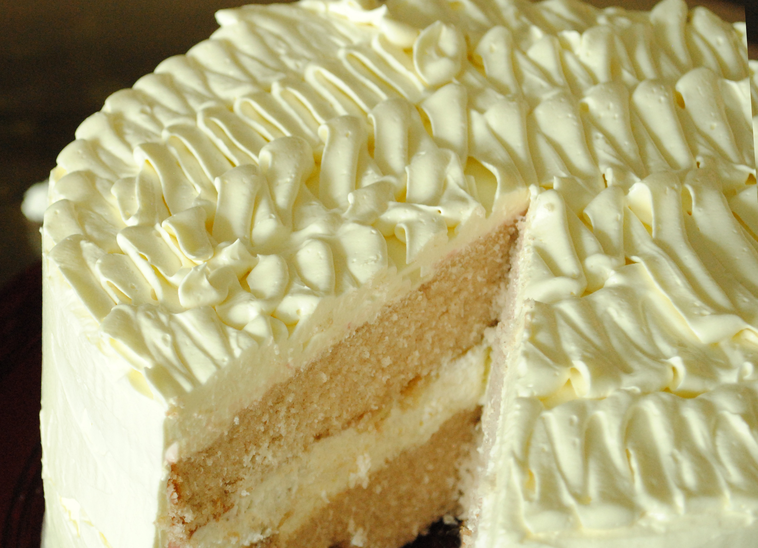 Cake With Cream Frosting : Vanilla Frosting Recipe   Dishmaps